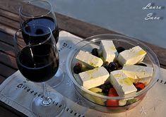 Prajitura Raffaello rapida | Retete culinare cu Laura Sava - Cele mai bune retete pentru intreaga familie Romania Food, Mousse, No Cook Desserts, Irish Cream, Food Cakes, Cheddar, Tiramisu, Cake Recipes, Deserts