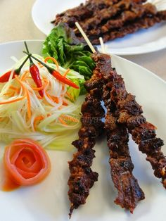 There are many different variations of marinades used in Cambodian beef recipes. We believe this is the best. These Cambodian beef sticks use fresh, tender and juicy boneless chuck steaks for optimum flavor. Asian Recipes, Beef Recipes, Cooking Recipes, Ethnic Recipes, Laos Recipes, Asian Foods, Drink Recipes, Cambodian Beef Stick Recipe, Beef Sticks Recipe