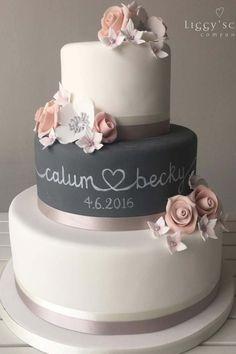 Beautiful Wedding Cakes, Beautiful Cakes, Perfect Wedding, Our Wedding, Dream Wedding, Cake Wedding, Purple Wedding Cakes, Wedding Dress, Elegant Wedding