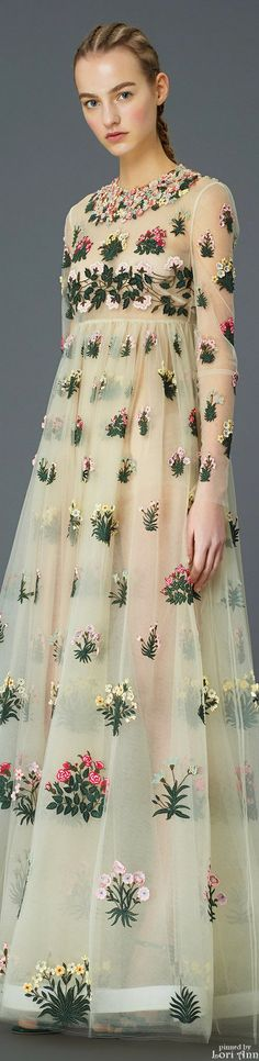 Valentino Pre-Fall 2015 #fashion #couture #womenswear #Floral - fashion