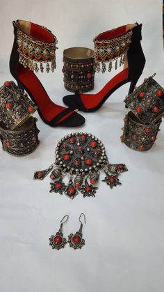 Plan Your Food Plan In Real 'Melonish' Style - My Website Hijab Fashion, Fashion Shoes, Fashion Accessories, Fashion Dresses, Fashion Jewelry, Indian Designer Outfits, Indian Outfits, Antique Jewellery Designs, Jewelry Design