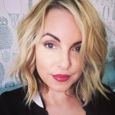 Short Hair Easy Beach Waves, Hair ideas for short hair ladies- Elle Leary Artistry (easy curls wet) Beach Waves For Short Hair, Easy Beach Waves, Beachy Waves, Beachy Hair, Short Waves, Cut My Hair, New Hair, Hair Cuts, Wavy Hair