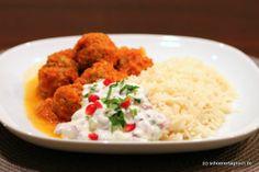 Schöner Tag noch!: Nachgekocht: Curry mit Hackfleisch-Bällchen und Granatapfel-Raita