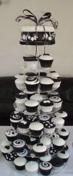 Black And White Wedding Cupcake Tower Fondant covered cupcakes, the crystal topper is also hand made by me. The cupcakes are vanilla filled. White Wedding Cupcakes, Black And White Cupcakes, Cupcake Tower Wedding, Black And White Wedding Cake, Wedding Cake Red, White Cakes, Black And White Theme, Black White, Cupcake Towers