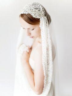 Wedding Veil, Juliet cap, Bridal Veil, Chapel length, lace veil, Crystal Beaded…