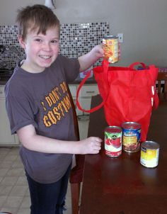 How to teach your kids to love giving back #parenting #givingback http://crunchyfrugalista.com/crunchy-kids-join-walmart-in-the-fight-for-hunger/