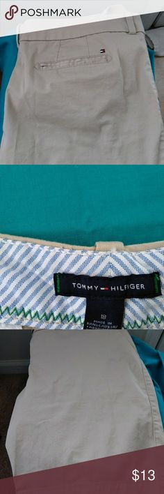 Tommy Hilfiger khaki shorts great condition Khaki shorts Tommy Hilfiger Shorts Cargos