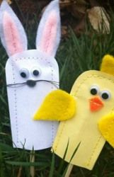 Easter Bunny Finger Puppets: Turn into paper popsicle puppets for no sewing!
