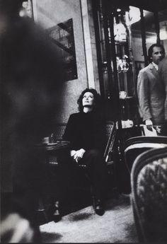 Anouk Aimée au Café de Flore début années 1990 (photographe inconnu(e)  (Paris…