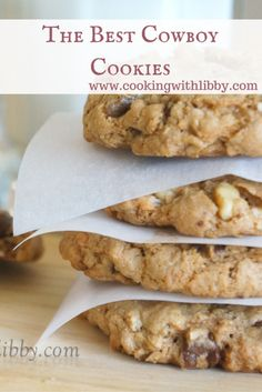 Made with coconut, oats, and chocolate chips, these Cowboy Cookies will be on everyone& mind this season!Serving Size: 2 cookies each Cookie Desserts, Just Desserts, Cookie Recipes, Dessert Recipes, Cookie Cups, Yummy Treats, Sweet Treats, Yummy Food, Fun Food