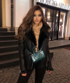 Shared by Jazz. Find images and videos about fashion on We Heart It - the app to get lost in what you love. Look Fashion, Girl Fashion, Fashion Outfits, Womens Fashion, Fashion Clothes, Fashion Ideas, Fashion Tips, Fall Winter Outfits, Autumn Winter Fashion
