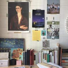 Multipurpose Room Ideas Get creative wall painting designs & ideas for a stylish home decor.Latest home painting colour ideas & designs for bedrooms, living rooms and more at Asian Creative Wall Painting, Creative Walls, Bedroom Themes, Bedroom Decor, Bedrooms, Wall Decor, Bedroom Wall, Design Room, Multipurpose Room