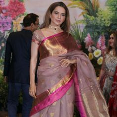 love the color of the saree.bt not a fan of such wide paar Organza Saree, Chiffon Saree, Saree Dress, Silk Sarees, Kanjivaram Sarees, Kanchipuram Saree, Indian Dresses, Indian Outfits, Saree Jewellery