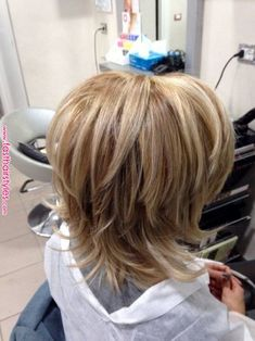 Länger gestufter bob – Hairstyle For Medium Length Hair Medium Layered Hair, Medium Hair Cuts, Short Hair Cuts, Medium Hair Styles, Short Hair Styles, Short To Medium Hair, Choppy Bob Hairstyles, Hairstyles Haircuts, Boho Hairstyles