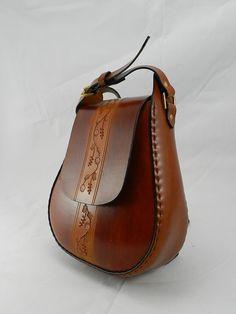 Handmade Latigo Shoulder Bag Hand-dyed hand by KawValleyLeather