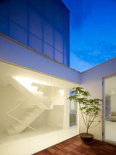 Sundial House / Hironaka Ogawa & Associates