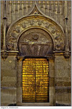 Al-Andalus ( الأندلس ) Puerta de la Mezquita, Coroba, once the capital of Moorish Spain... http://www.costatropicalevents.com/en/costa-tropical-events/andalusia/cities/cordoba.html