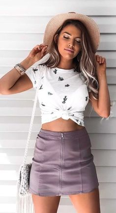 #spring #outfits Beige Hat White Printed Crop Top Purple Zipped Skirt #HatsForWomenOutfits