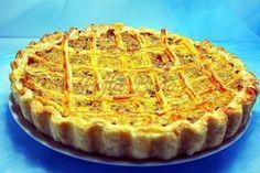 Placinta cu carne Romanian Food, Food Art, Waffles, Goodies, Food And Drink, Cooking Recipes, Yummy Food, Breakfast, Desserts