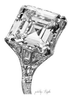 Regilla ⚜ Art Deco platinum ring with side bullet-shaped diamonds