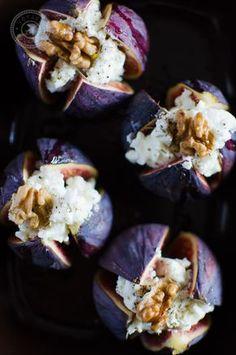 Ces figues rôties au chèvre, miel et noix sont très faciles à réaliser et se dégustent à l'heure de l'apéro ou en entrée avec une petite salade.