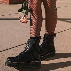 Dr. Martens, Doc Martens Stiefel, Red Doc Martens, Doc Martens Boots, Doc Martens Outfit, Style Grunge, Grunge Look, Soft Grunge, Neo Grunge