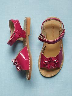 New L'Amour Girls C-580 Front Flower Accent Sandals | $32.00