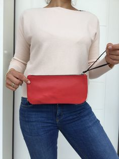 Small Leather Clutch/ Red leather clutch with zipper by LaraKlass on Etsy Leather Clutch Bags, Leather Handbags, Key Wallet, Best Bags, Italian Leather, Red Leather, Shoulder Bag, Zipper, Etsy