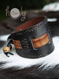 Handmade Mens Leather Bracelet Tribal Bracelet. от HolyCowproducts