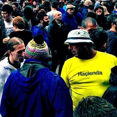 Can't have a Manchester show without a Manc with a #hacienda shirt. Spoke with him later and he apparently was a bouncer at the International where the roses began there career in Machester. Legendary dude mister yellow shirt. The stories he told us…#dn_stoneroses_2012#heatonparknme#stoneroses#livemusic#umbrellamag#volumemagfest#volumemagsp#popmeth#mypicture#insta_snob#instatalent#clubinstagram#ampt_community#dailyfeature#goblinmag#wearejuxt#mobilephoto#strangersintransit#candidphoto