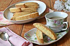Versatile Vegetarian Kitchen: Vanilla Biscotti