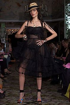 Betsey Johnson Spring 2002 Ready-to-Wear Fashion Show Collection