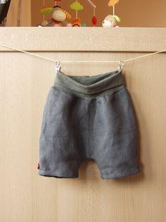 Pumphosen - Leichte kurze Hose aus Leinen für Frühjahr/Sommer - ein Designerstück von KleinesMuckelchen bei DaWanda