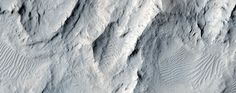 NASA's Newly Released Images of Mars Are the Next Best Thing to Space Travel