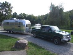 We import USA Airstream Caravans (travel Trailers) into New Zealand and buy & sell NZ Retro Caravans and modern USA Caravans. We have also imported Classic Cars, trucks & Beach Cruiser Bikes. 1994 Chevy Silverado, Airstream Caravans, Beach Cruiser Bikes, Retro Caravan, Vintage Airstream, Cool Trucks, Recreational Vehicles, Safari, Classic Cars