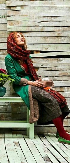 Iranian Girls fashion   Iran Traveling Center http://irantravelingcenter.com #iran #travel #women Persian People, Persian Girls, Iran Girls, Iranian Women, Persian Culture, Hijab Fashion, Boho Fashion, Fasion, Girl Fashion