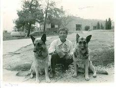 Ceasar Chavez & his GSDs Boycott & Huelga Cesar Chavez, German Shepherd Dogs, German Shepherds, Hispanic Heritage Month, Chicano, Historical Photos, Famous People, Husky, Pup
