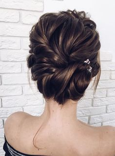 Wedding Hairstyle and updos - Lena Bogucharskaya #weddings #hairstyles #fashion #weddingideas #dpf #deerpearlflowers