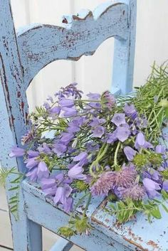 From: Vibeke Design, please visit Shabby Chic Cottage, Vintage Shabby Chic, Shabby Chic Decor, Cottage Style, Cozy Cottage, Love Flowers, Beautiful Flowers, Simply Beautiful, Purple Flowers