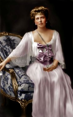 Marie by AlixofHesse on DeviantArt Romanian Royal Family, Landed Gentry, Queen Victoria Family, Belle Epoch, Royal Beauty, Colorized Photos, English Royalty, The Beautiful Country, Royal Jewelry