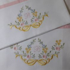 Machine Embroidery Projects, Hand Embroidery Stitches, Ribbon Embroidery, Flower Embroidery Designs, Applique Designs, Brazilian Embroidery, Needlework, Couture, Quilts
