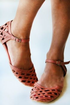 Jeffrey Campbell basket flats - would be so cute for Spring