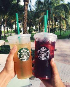 Comida Do Starbucks, Bebidas Do Starbucks, Copo Starbucks, Starbucks Secret Menu Drinks, Aesthetic Coffee, Aesthetic Food, How To Order Starbucks, Fruit Drinks, Beverages
