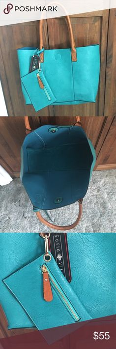 NWT GEN. Leather Turquoise Tote & Change Purse Set NWT. Sofia Vitali Turquoise Genuine Leather Tote & Change Purse. Genuine Leather. Magnetic closure. Flat bottom Tote. Gold zipper accent. OFFERS ARE WELCOMED 😁 Accessories