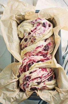 Cream Cheese Babka Unwrap the flavor of the season with this Cranberry Cream Cheese Babka! Get the recipe the flavor of the season with this Cranberry Cream Cheese Babka! Babka Bread, Brioche Bread, Bread Cake, Cranberry Cheese, Cranberry Recipes, Sweet Bread, Sweet Recipes, Dessert Recipes, Picnic Recipes