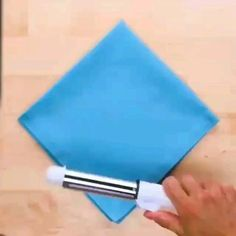 Diy Crafts Hacks, Diy Crafts For Gifts, Diy Home Crafts, Fun Crafts, Paper Crafts, Diy Para A Casa, Napkin Folding, Useful Life Hacks, Clothing Hacks