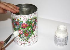 Oäť pretrieme lepidlom Quilling, Applique, Mixed Media, Projects To Try, Quilts, Handmade, Tin Can Crafts, Crochet Tote, Decorated Jars