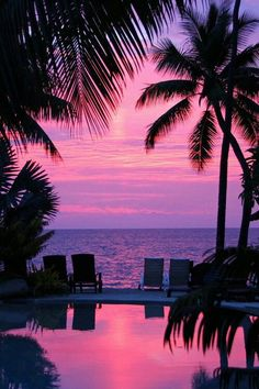 Hawaii at sunset. Pink.