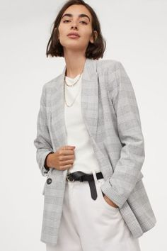 cozy-checked-jacket-scandinavina-style-fashion-autumn Fall Fashion Trends, Autumn Fashion, Fashion Tips, Fashion Design, Style Fashion, Scandi Chic, Roll Neck Top, Scandinavian Fashion, Anorak Jacket