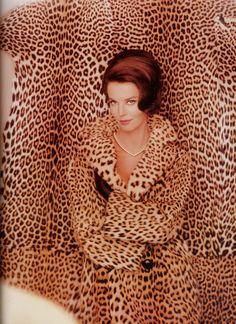 Revlon Ad 1965, Photo By John Rawlings